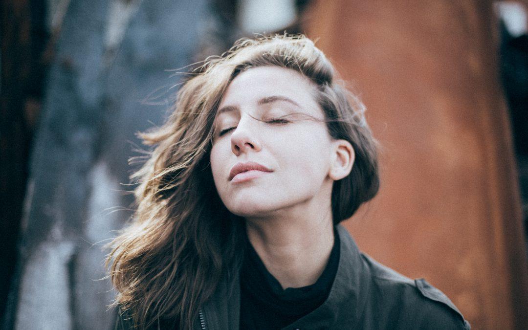 Bedingungsloses Selbstvertrauen! Wie eine ungewöhnliche Methode dir hilft Selbstzweifel und Ängste loszuwerden